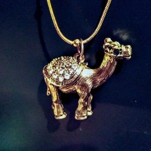 Jewelry - Adorable Camel Necklace